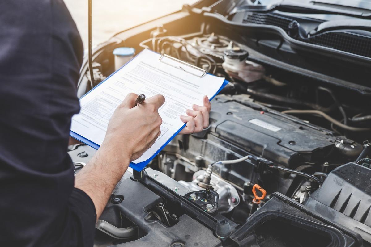 Maintenance et entretien de voiture et utilitaire